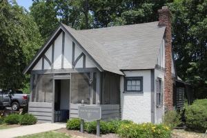 Sam Snead cottage (2)